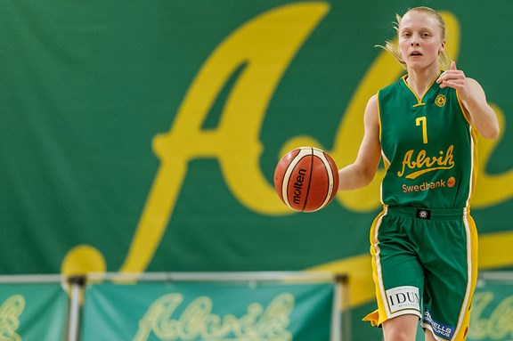 Alvik Baskets #7 Klara Lundquist
